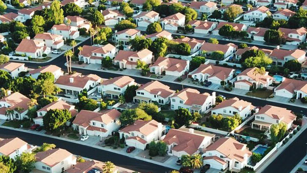 Washington War on the Suburbs Newt's World Podcast